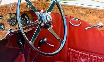 Bentley-Lenkrad und Armaturenbrett aus den 1930er Jahren. Der Wagen ist während der Classic Days 201 von Sjoerd van der Wal