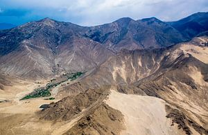 Het Tibetaans hoogland gezien vanuit de lucht van