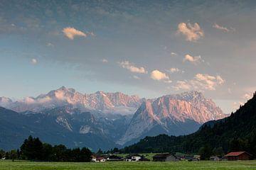 Evening mood on the Zugspitze mountain van