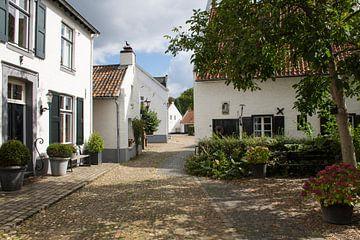 Straße in der weißen Stadt Thorn von Charlene van Koesveld