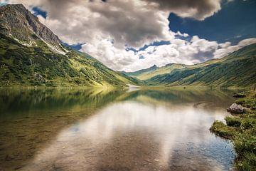 Tappenkarsee in Oostenrijk van Ilya Korzelius
