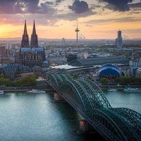 Zonsondergang in Keulen van Martin Wasilewski