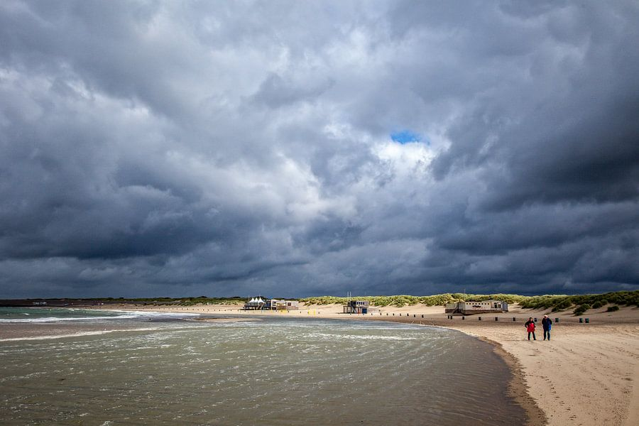 Strand bij Brouwersdam van Wessel Krul