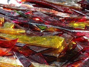 Compositie met gekleurd glas van