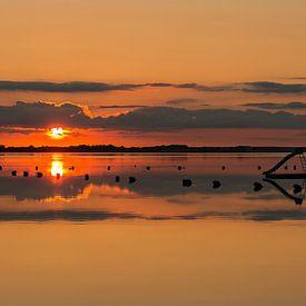 zonsondergang met waterglijbaan van Corrie Ruijer