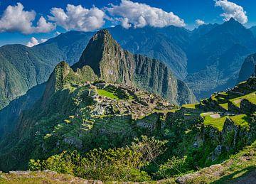 Herrliche Panorama der verborgenen Stadt Machu Picchu von Rietje Bulthuis