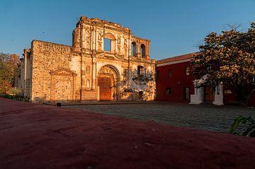Antigua: Iglesia y Convento de la Compañía de Jesús van Maarten Verhees