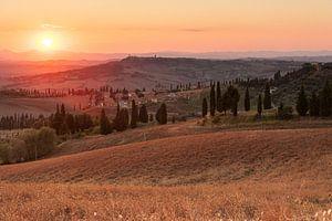 Toscaanse dorpjes bij zonsondergang - 2 van