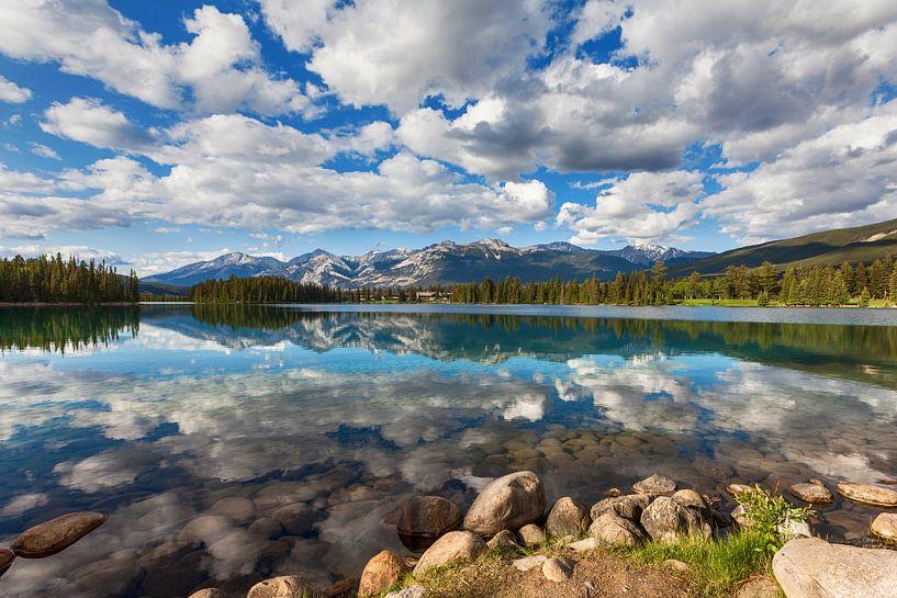 Beauvert Lake, Jasper NP van Bart van Dinten