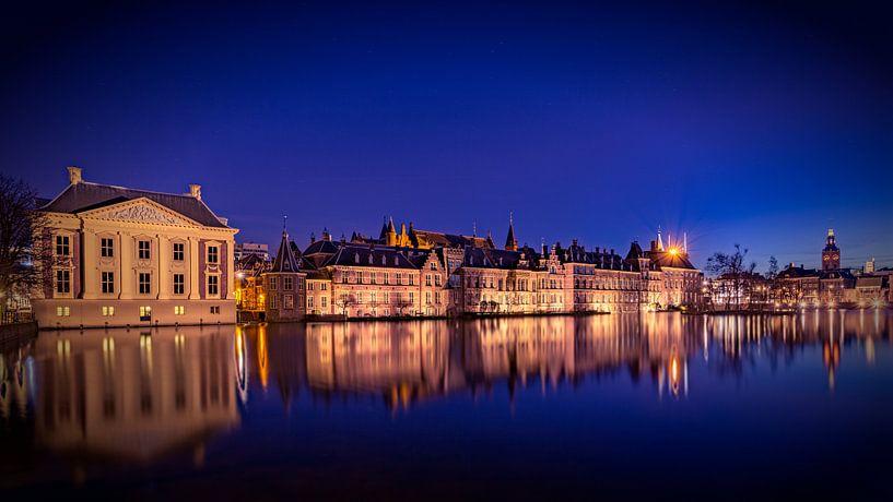Mauritshuis @ night van Michael van der Burg