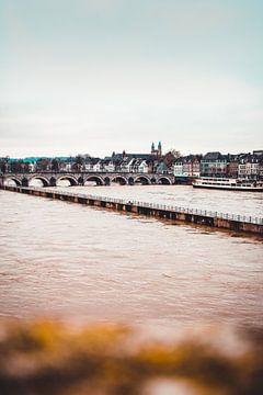 Hoogwater in Maastricht van Floor Schreurs