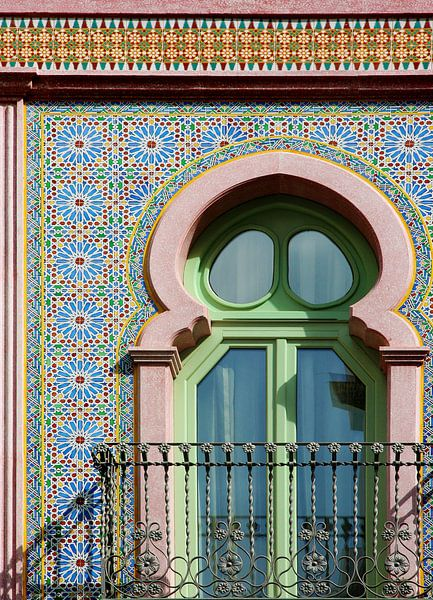 Moorse mozaiek gevel in Spanje van Marianne Ottemann - OTTI