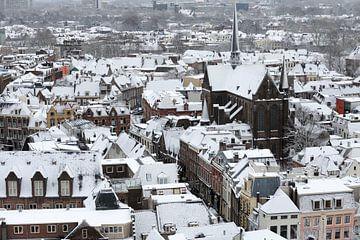 Winters Utrecht met de Sint-Willibrordkerk von Merijn van der Vliet