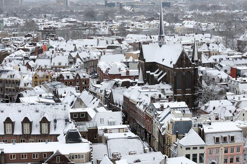Winters Utrecht met de Sint-Willibrordkerk van Merijn van der Vliet