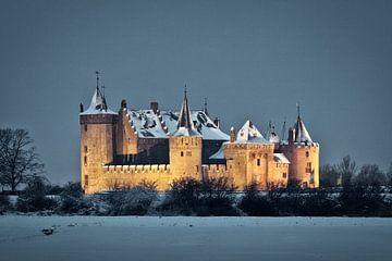 Schloss Muiderslot im Schnee von Frans Lemmens