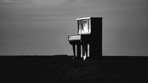 Piano op het strand van