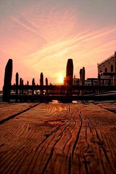 Zonsondergang in Venetië aan de steiger van noeky1980 photography