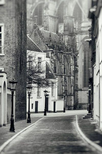Achter de Dom in Utrechtin zwart-wit van De Utrechtse Grachten