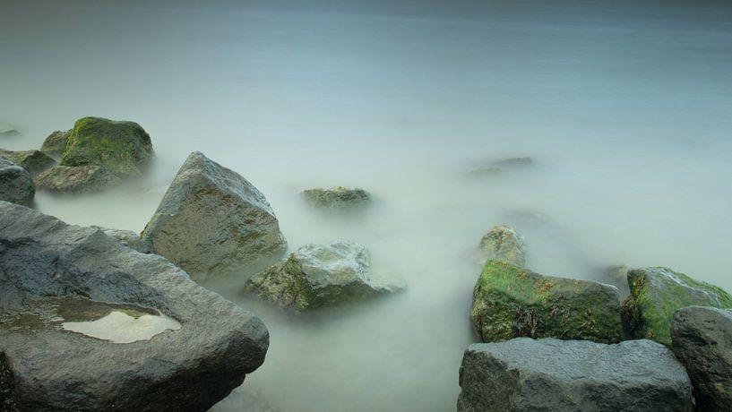 stenen en water met lange sluitertijd van Art Wittingen