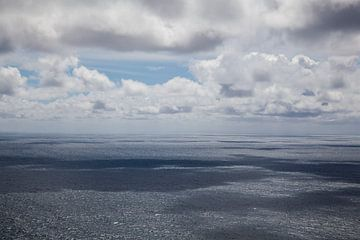 Zee en wolken van Marja Verbaan