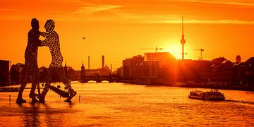 Osthafen Berlin – Skyline im Sonnenuntergang sur Alexander Voss