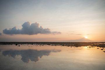 Sonnenuntergang Gunung Agung von gili Trawangan von Ellis Peeters