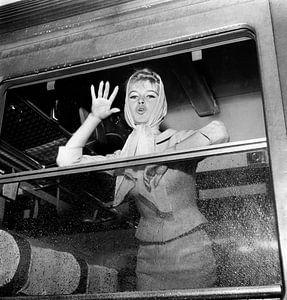 Brigitte Bardot dans le train au départ pour l'Espagne pour le film sur Bridgeman Images