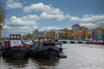 Blick auf die Magere Brücke in Amsterdam von Peter Bartelings Photography