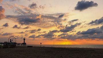 Zonsondergang bij de Pier van Scheveningen