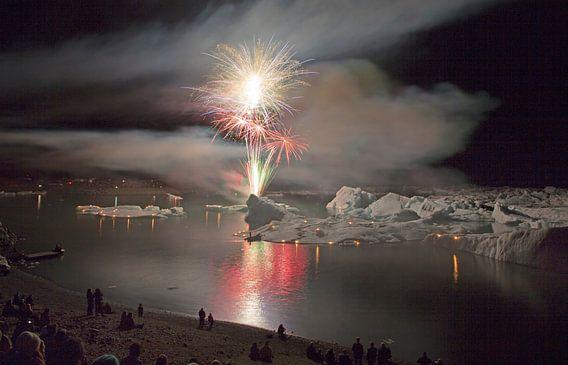 Vuurwerk op het ijsmeer Jokulsarlon