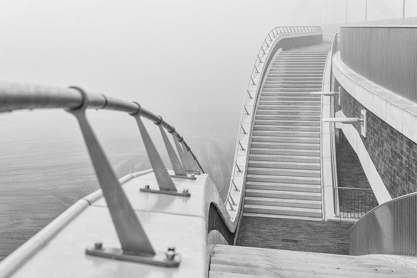 De Oversteek in mist van Eus Nieuwenhuizen