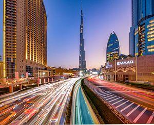 Lighttrails zum Burj Khalifa
