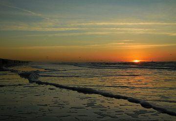 Zonsondergang bij zee