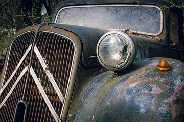 Verlaten Citroën oldtimer van Tim Vlielander