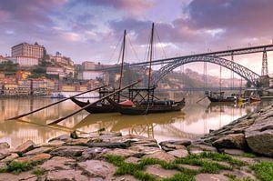 Port bootjes in de wijk Ribeira (porto)