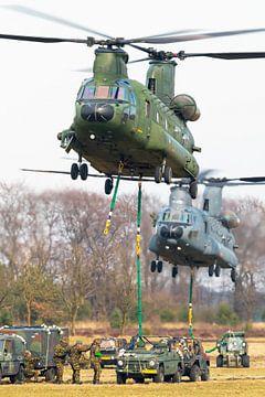 Chinook transporthelikopters aan het werk! van Jimmy van Drunen