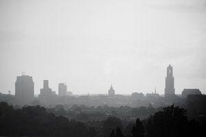 Skyline van Utrecht in de regen. van