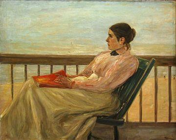 Frau liest ein Buch von Antonije Lazovic