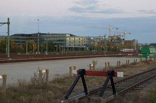CBS gebouw gezien vanaf het spoor te Heerlen