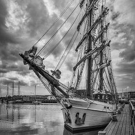 Twee-Master dans le port (NL) sur Mart Houtman