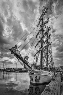 Twee-Master im Hafen (NL)