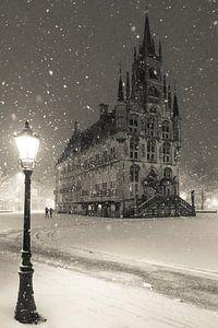 Stadhuis van Gouda in de sneeuw