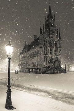 Das Rathaus von Gouda im Schnee von Gouda op zijn mooist