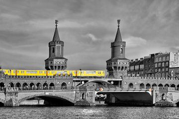 The Oberbaum Bridge Berlin van Joachim G. Pinkawa