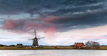 """Moulin à vent """"Het Noorden"""" à Oosterend sur Texel pendant le lever du soleil sur Evert Jan Luchies"""