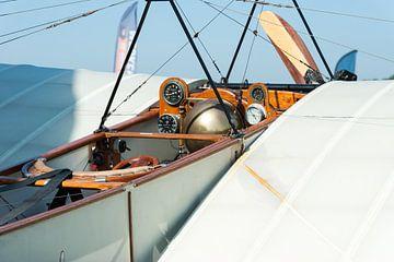 Cockpit van een Blériot XI van Wim Stolwerk
