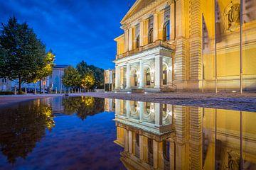 Opera Halle in de spiegel