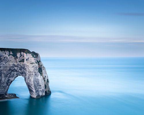 Les falaises d'Etretat - Normandie von Tony Ruiter