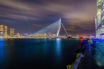 Mars invasion. Erasmusbrug Rotterdam onder vuur von Marco Faasse