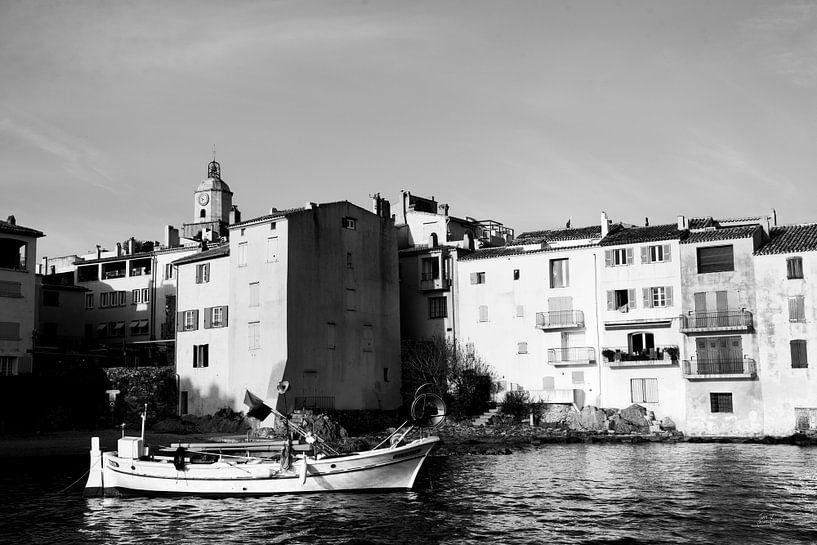 Een oude vissersboot van Tom Vandenhende